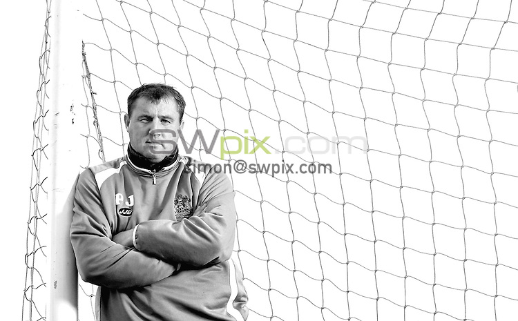 PICTURE BY BEN DUFFY/SWPIX - Premiership football - Paul Jewell, Wigan...18/10/05..Wigan boss, Paul Jewell pictured at the teams training ground