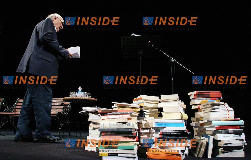 Andrea Camilleri.Libri sulla Liberta' - Editori e Librai contro il DDL Intercettazioni per la liberta' di stampa..Roma, 31 Maggio 2010.Photo Serena Cremaschi Insidefoto