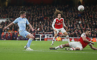 Leeds United's Robbie Gotts with a first half shot<br /> <br /> Photographer Rob Newell/CameraSport<br /> <br /> Emirates FA Cup Third Round - Arsenal v Leeds United - Monday 6th January 2020 - The Emirates Stadium - London<br />  <br /> World Copyright © 2020 CameraSport. All rights reserved. 43 Linden Ave. Countesthorpe. Leicester. England. LE8 5PG - Tel: +44 (0) 116 277 4147 - admin@camerasport.com - www.camerasport.com