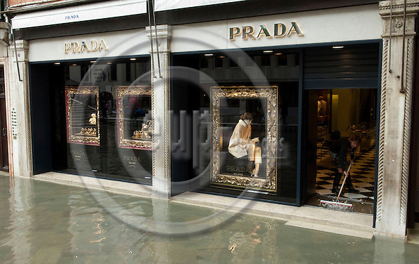 San Marco-Venice-Italy - December 24, 2010 -- Acqua alta, hIgh tides and floods; Prada shop under water  -- commerce, tourism, water, infrastructure -- Photo: Horst Wagner / eup-images