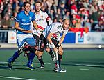 UTRECHT -  Justin Reid-Ross (Adam) met Bjorn Kellerman (Kampong)   tijdens  de hoofdklasse hockeywedstrijd mannen, Kampong-Amsterdam (4-3).  COPYRIGHT KOEN SUYK