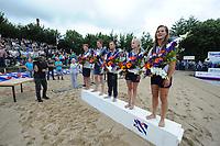 FIERLJEPPEN: WINSUM: 12-08-2017, Frieskampioenschap Fierljeppen, winnaars Jarich Wijnstra 18.13m, Nard Brandsma 20.72m, Bobby Zwaagman 19.52m, Fardau van Akker 15.42m, Klaske Nauta 15.64m, ©foto Martin de Jong