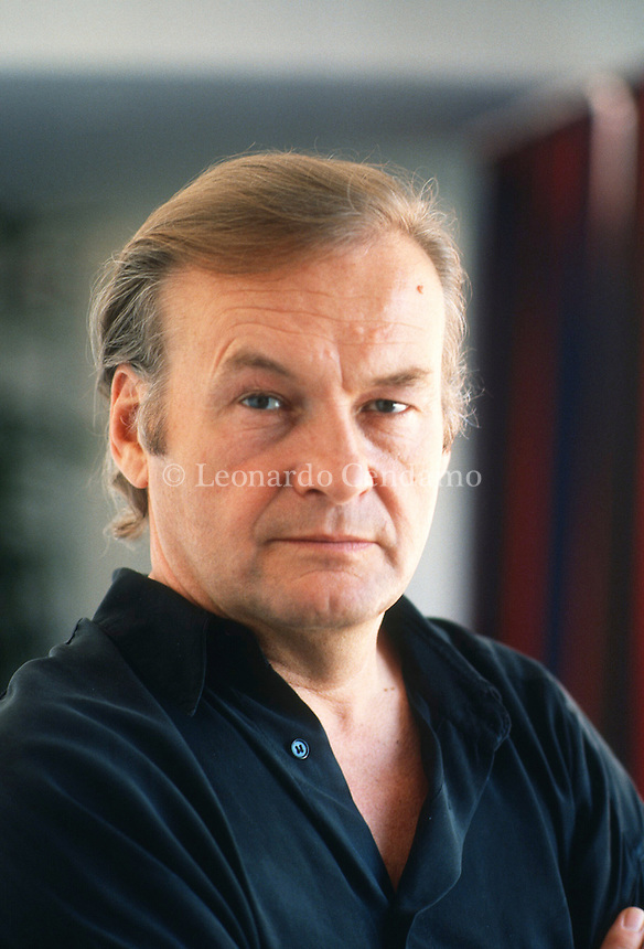 Jerzy Yurek Skolimowski è un regista, sceneggiatore e attore polacco. Born in Lódz, Poland, in 1938. Director, playwright, scriptwriter, and actor. Graduated in ethnology, literature and history from Warsaw University in 1959. Venezia lido, settembre 1991. Festival Internazionale del Cinema di Venezia. © Leonardo Cendamo