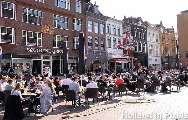 Nederland  Groningen - 2019.  Terrasje bij de Grote Markt.   Foto Berlinda van Dam / Hollandse Hoogte