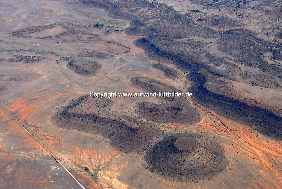 4415 / Karoo: AFRIKA, SUEDAFRIKA, 12.01.2007:Landschaft in der Halbwueste Karoo, Luftbild