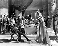 Hamlet (1948) <br /> Laurence Olivier &amp; Eileen Herlie<br /> *Filmstill - Editorial Use Only*<br /> CAP/MFS<br /> Image supplied by Capital Pictures