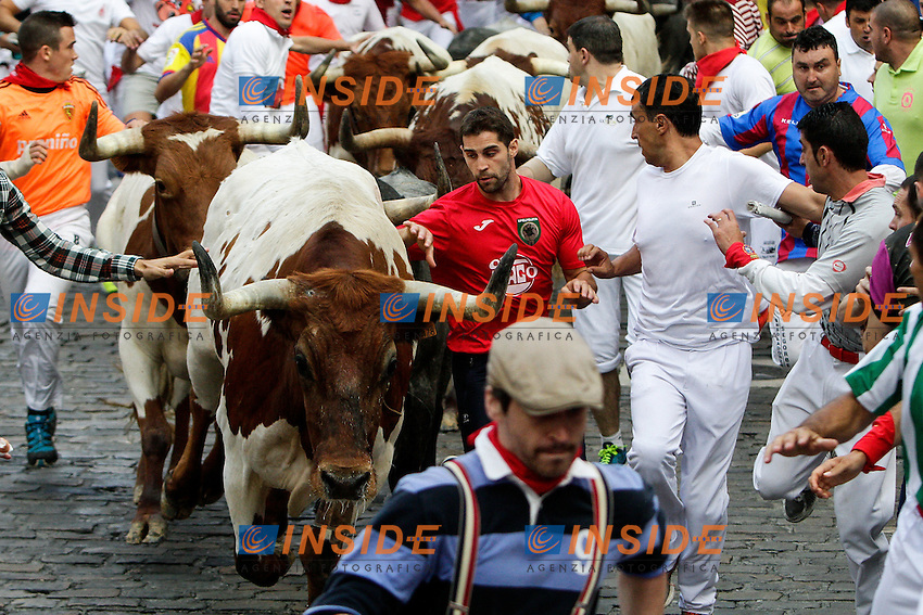 Third bull runing of San Fermin at Pamplona, with bulls of the ranch of Jos&eacute; Escolar. July 08, 2016. (Insidefoto/ALTERPHOTOS/Rodrigo Jimenez <br /> San Firmino Corsa dei Tori