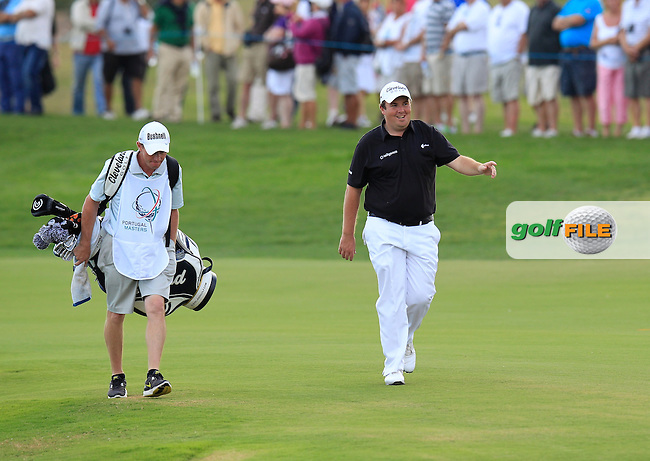 Shane Lowry (IRL) chips onto the 17th green during Sunday's Final Round of the Portugal Masters at the Oceanico Victoria Golf Course, Vilamoura, Portugal 14th October 2012 (Photo Eoin Clarke/www.golffile.ie)
