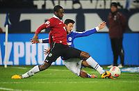 FUSSBALL   1. BUNDESLIGA   SAISON 2012/2013    18. SPIELTAG FC Schalke 04 - Hannover 96                           18.01.2013 Johan Djourou (li, Hannover 96) gegen Ciprian Marica (re, FC Schalke 04)