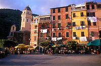 Italy, Cinque Terre, Linguria, Vernazza, Piazza Gugliemo Marconi