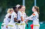 Solna 2015-10-11 Fotboll Damallsvenskan AIK - FC Roseng&aring;rd :  <br /> Roseng&aring;rds Malin Gunnarsson firar sitt 0-5 m&aring;l med Emma Berglund , Anita Asante och lagkamrater under matchen mellan AIK och FC Roseng&aring;rd <br /> (Foto: Kenta J&ouml;nsson) Nyckelord:  Damallsvenskan Allsvenskan Dam Damer Damfotboll Skytteholm Skytteholms IP AIK Gnaget  FC Roseng&aring;rd jubel gl&auml;dje lycka glad happy