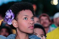 SÃO PAULO, SP - 26.06.2013: CONCENTRA SP - Torcedores durante o Brasil no Vale do Anhangabaú região central de São Paulo durante o jogo da seleção brasileira pela semifinal da Copa das Confederaões. (Foto: Marcelo Brammer/Brazil Photo Press)