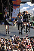London, UK. 9 August 2015. Korean mega-stars K-pop girl group F(x) - now a four-man band with Victoria, Luna, Krystal and Amber - headline the Korean Festival in London's Trafalgar Square. Photo: Bettina Strenske