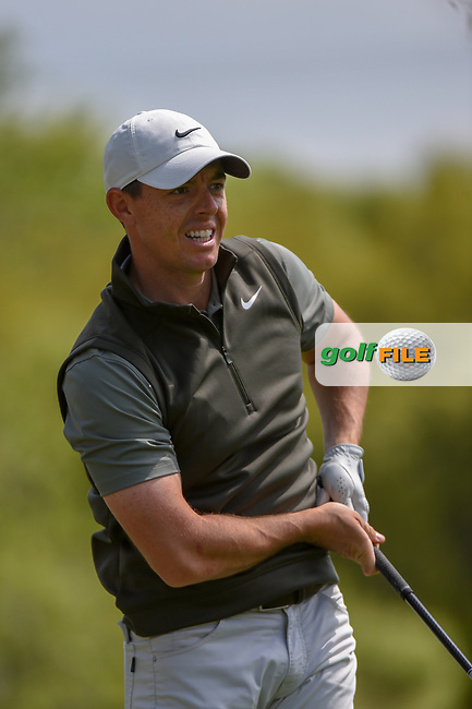 Rory McIlroy (NIR) watches his tee shot on 3 during day 2 of the WGC Dell Match Play, at the Austin Country Club, Austin, Texas, USA. 3/28/2019.<br /> Picture: Golffile | Ken Murray<br /> <br /> <br /> All photo usage must carry mandatory copyright credit (© Golffile | Ken Murray)