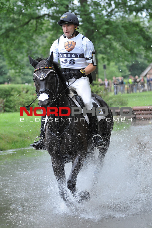 16.06.11, Luhmuehlen, GER,Vielseitigkeitsreiten, Gelaendepruefung CCI*** im Bild Anderas Dibowski (GER) auf FRH Butts Avedon am Messmer-Teich//during championship at Luhmuehlen 2011/06/16,Luhmuehlen<br /> Foto &copy; nph/ Witke *** Local Caption ***
