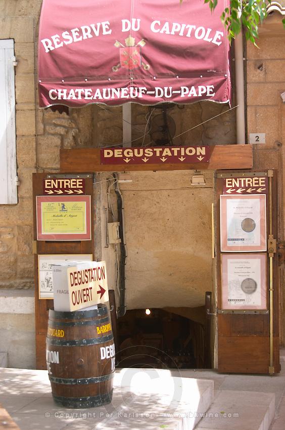 wine shop reserve du capitole chateauneuf du pape rhone france