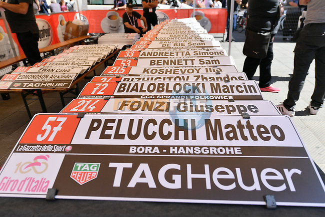 Getting the nameplates ready before the start of Stage 10 the Sagrantino Stage of the 100th edition of the Giro d'Italia 2017, an individual time trial running 39.8km from Foligno to Montefalco, Italy. 16th May 2017.<br /> Picture: LaPresse/Gian Mattia D'Alberto | Cyclefile<br /> <br /> <br /> All photos usage must carry mandatory copyright credit (&copy; Cyclefile | LaPresse/Gian Mattia D'Alberto)