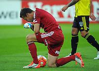 160110 A-League Football - Wellington Phoenix v Brisbane Roar