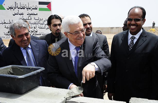 Palestinian President Mahmoud Abbas (Abu Mazen) lays the foundation stone for Palestinian Embassy in Djibouti on July 8,2010. Photo by Omar Rashidi