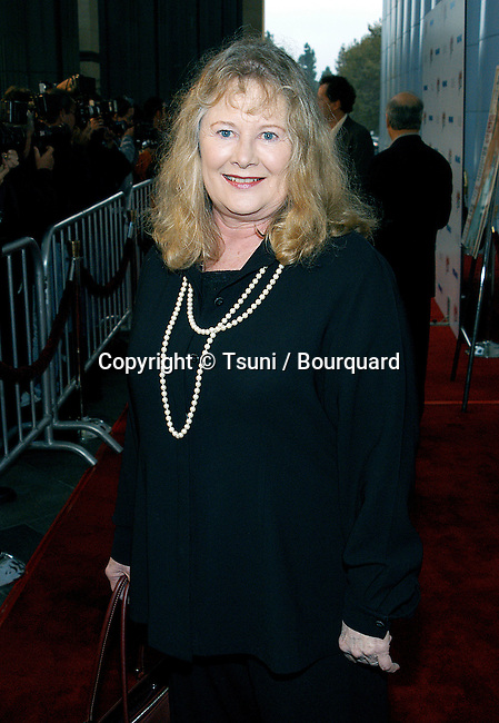 "Shirley Knight arriving at the premiere of "" Frida ""  at the County Museum of Art Theatre in Los Angeles. October 14, 2002.            -            KnightShirley04.jpg"