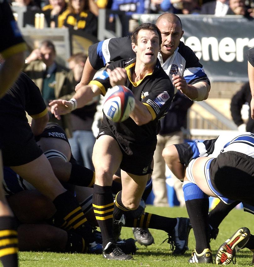 Photo. Henry Browne..05/10/2003..London Wasps v Bath Rugby. .Zurich Premiership..Rob Howley.