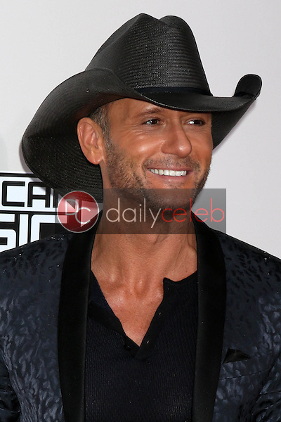 Tim McGraw<br /> at the 2016 American Music Awards, Microsoft Theater, Los Angeles, CA 11-20-16<br /> David Edwards/DailyCeleb.com 818-249-4998