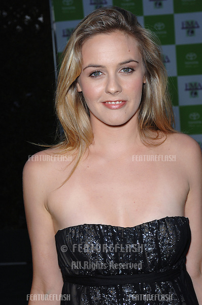 Actress ALICIA SILVERSTONE at the 15th Annual Environmental Media Awards in Los Angeles..October 19, 2005 Los Angeles, CA..© 2005 Paul Smith / Featureflash