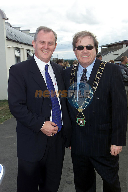 Michael Murphy with Mayor Frank Godfrey at Bellewstown Races..Picture Paul Mohan Newsfile