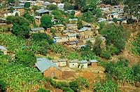 "Afrika Burundi Bujumbura .Township Slum in Bujumbura  - Huette Blechhuetten xagndaz | .slum in Bujumbura Burundi - hut houese .| [ copyright (c) Joerg Boethling / agenda , Veroeffentlichung nur gegen Honorar und Belegexemplar an / publication only with royalties and copy to:  agenda PG   Rothestr. 66   Germany D-22765 Hamburg   ph. ++49 40 391 907 14   e-mail: boethling@agenda-fototext.de   www.agenda-fototext.de   Bank: Hamburger Sparkasse  BLZ 200 505 50  Kto. 1281 120 178   IBAN: DE96 2005 0550 1281 1201 78   BIC: ""HASPDEHH"" ,  WEITERE MOTIVE ZU DIESEM THEMA SIND VORHANDEN!! MORE PICTURES ON THIS SUBJECT AVAILABLE!! ] [#0,26,121#]"