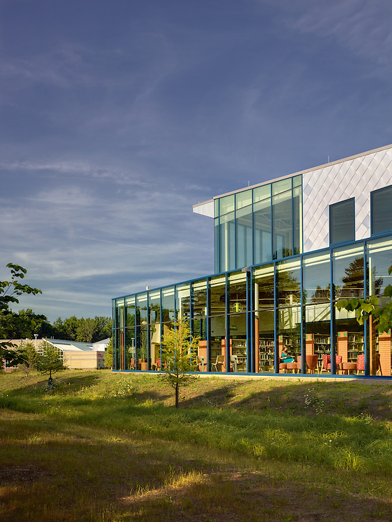 Cuyahoga County Public Library North Royalton Branch | Richard Fleischman & Partners Architects