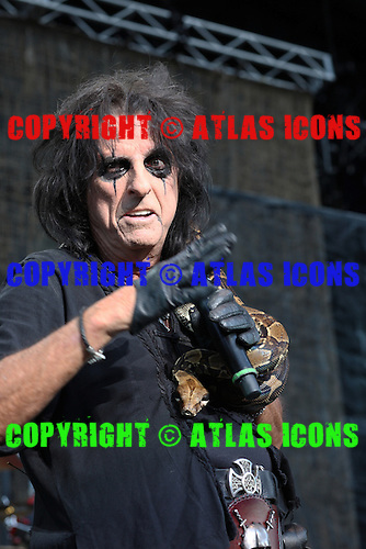 ALICE COOPER, LIVE, 2012, NEIL ZLOZOWER
