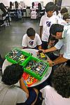 Aula técnica na escola particular Ipiranga em Petrópolis. Rio de Janeiro. 2006. Foto de Luciana Whitaker.