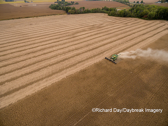 63801-09604 Soybean Harvest, John Deere combine harvesting soybeans - aerial - Marion Co. IL