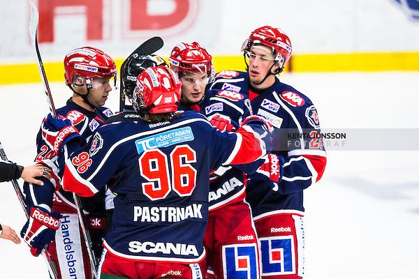 S&ouml;dert&auml;lje 2013-09-21 Ishockey Hockeyallsvenskan S&ouml;dert&auml;lje SK - Timr&aring; IK :  <br /> S&ouml;dert&auml;lje 17 Jonas Engstr&ouml;m gratuleras av S&ouml;dert&auml;lje 20 Johan Jonsson , S&ouml;dert&auml;lje 96 David Pastrn&aacute;k Pastrnak och S&ouml;dert&auml;lje 24 Johan Andersson efter sitt 2-0 m&aring;l<br /> (Foto: Kenta J&ouml;nsson) Nyckelord:  jubel gl&auml;dje lycka glad happy