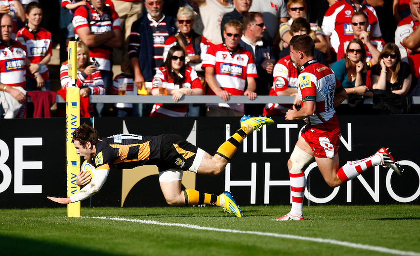Photo: Richard Lane/Richard Lane Photography. Gloucester Rugby v London Wasps. Aviva Premiership. 22/09/2012. Wasps' Elliot Daly dives in for a try.