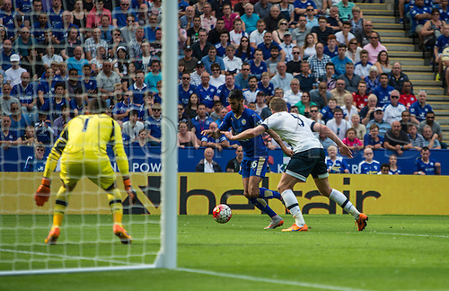 22.08.2015. Leicester, England. Barclays Premier League. Leicester City versus Tottenham Hotspur. Riyad Mahrez of Leicester City gets a shot  past Jan Vertonghen of Tottenham Hotspur and hits the post.