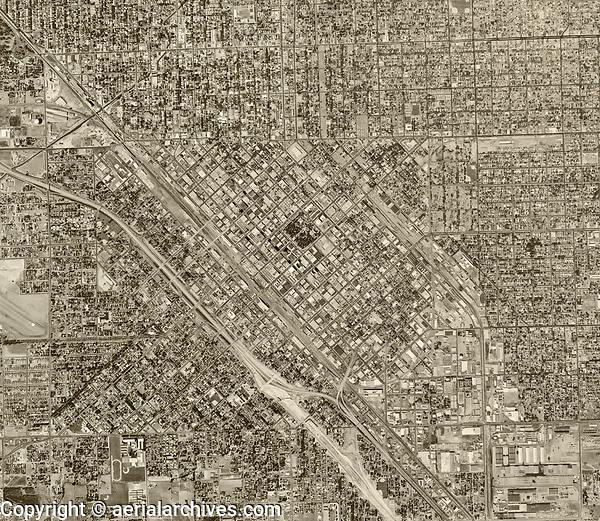 historical aerial photograph Fresno, CA, 1962