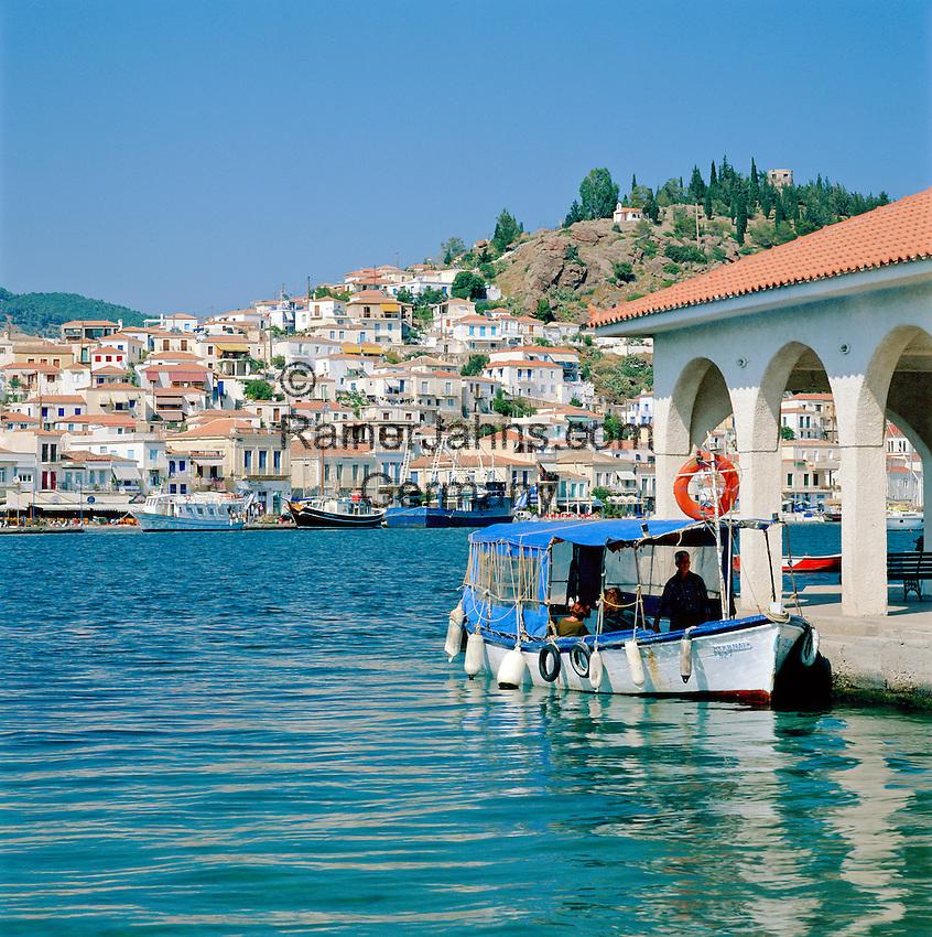 Greece, Attica, Saronic Islands, Island Poros: View over Poros-Town and harbour | Griechenland, Attika, Saronischen Inseln, Insel Poros: Die Stadt Poros mit Hafen