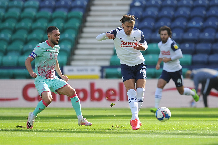 Preston North End's Brad Potts under pressure from Swansea City's Matt Grimes<br /> <br /> Photographer Kevin Barnes/CameraSport<br /> <br /> The EFL Sky Bet Championship - Preston North End v Swansea City - Saturday September 12th 2020 - Deepdale - Preston<br /> <br /> World Copyright © 2020 CameraSport. All rights reserved. 43 Linden Ave. Countesthorpe. Leicester. England. LE8 5PG - Tel: +44 (0) 116 277 4147 - admin@camerasport.com - www.camerasport.com