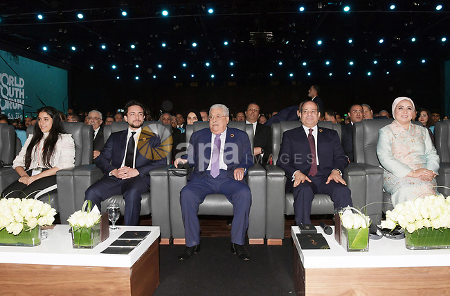 Palestinian President Mahmoud Abbas and Egyptian President Abdel-Fattah al-Sisi attend the sidelines of the World Youth Forum in Sharm El Sheikh, Egypt, on December 14, 2019. Photo by Thaer Ganaim