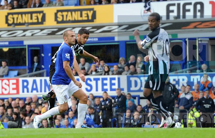 Hatem Ben Arfa of Newcastle United scores the winning goal