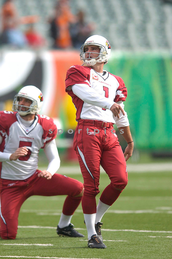 Neil Rackers, of the Arizona Cardinals, in action during their game against the Cincinnati Bengals on November 18, 2007 in Cincinnati, Ohio...Cardinals win 35-27..SportPics