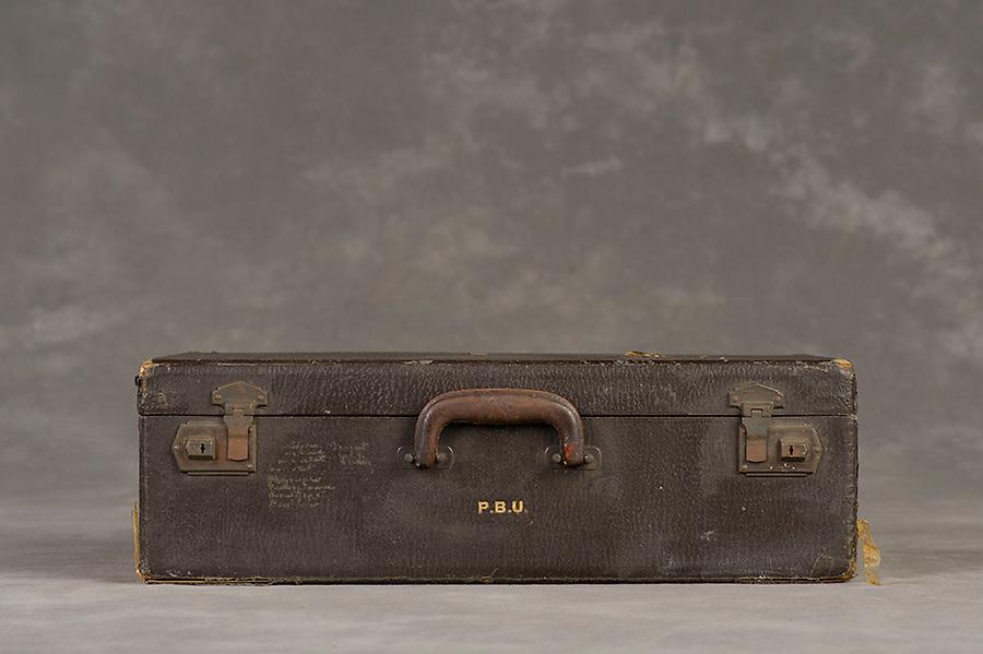 Willard Suitcases / Phoebe U / ©2014 Jon Crispin
