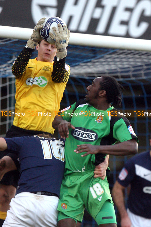 Luke Daniels of Southend and Exodus Geohaghon of Dagenham and Redbridge - Southend vs Dagenham - at the Roots Hall Stadium - 02/01/12 - MANDATORY CREDIT: Dave Simpson/TGSPHOTO - Self billing applies where appropriate - 0845 094 6026 - contact@tgsphoto.co.uk - NO UNPAID USE.