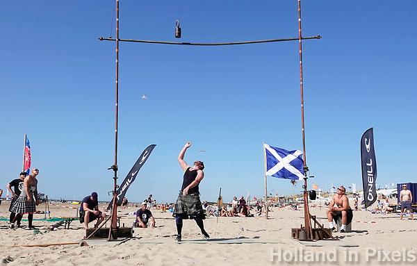 Nederland  Zandvoort - 8 juli 2018.    Het British Festival. NK Highland Games op het strand. Weight for height.   Foto mag niet in negatieve context gepubliceerd worden.     Foto Berlinda van Dam  / Hollandse Hoogte