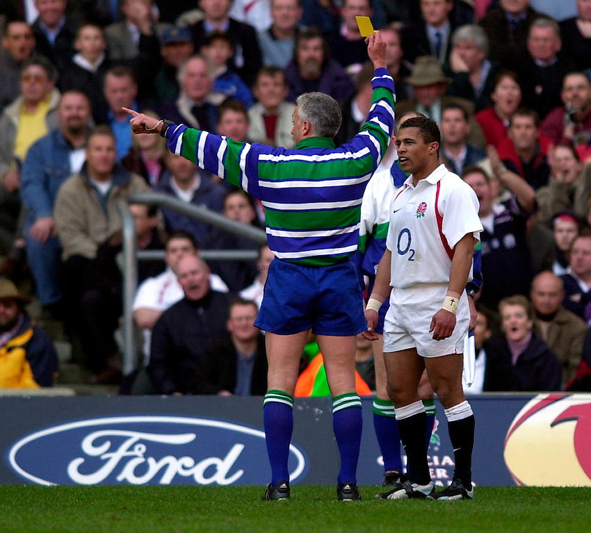 Photo. Richard Lane.England v Scotland. RBS Six Nations Chamionship. 22/03/2003.Jason Robinson is sent to the sin bin by Alan Lewis