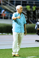 BARRANQUIILLA - COLOMBIA, 04-03-2020: Julio Comesaña técnico del Junior gesticula durante partido del grupo H como parte de la Copa CONMEBOL Libertadores 2020 entre Atlético Junior de Colombia y Flamengo de Brasil jugado en el estadio Metrolitano Roberto Melendez de Barranquilla. / Julio Comesaña coach of Junior de Cali gestures during match of the group H as part of Copa CONMEBOL Libertadores 2020 between Atletico Junior of Colombia and Flamengo of Brazil played at Metrolitano Roberto Melendez stadium in Barranquilla.  Photo: VizzorImage/ Alfonso Cervantes / Cont