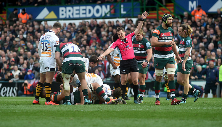 Referee JP Doyle in action during todays match<br /> <br /> Photographer Hannah Fountain/CameraSport<br /> <br /> Gallagher Premiership - Leicester Tigers v Wasps - Saturday 2nd March 2019 - Welford Road - Leicester<br /> <br /> World Copyright © 2019 CameraSport. All rights reserved. 43 Linden Ave. Countesthorpe. Leicester. England. LE8 5PG - Tel: +44 (0) 116 277 4147 - admin@camerasport.com - www.camerasport.com