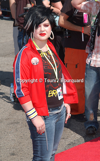 Kelly Osbourne arrives at the Teen Choice Awards 2002 held at the Universal Amphitheatre in Los Angeles, Ca., August 4, 2002.           -            OsbourneKelly04.jpg