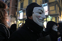 "NAPOLI, ITALIA, 08.12.2018 - PROTESTO-ITALIA - Flash Mob de organizações ativistas ""Anonymous for the Voiceless"" durante protesto em Napoli na Italia neste sábado, 08.<br />